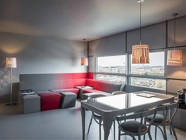 Suite mit neuen Farbakzenten im SO/ Vienna - Foto: Abaca Corporate / Didier Delmas