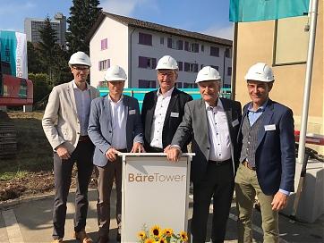 Foto: Harry's Home Hotels - Spatenstich in Bern: Marcel Weber (Halter AG), Daniel Wehrli (Helvetia), Harald Ultsch (CEO Harry's Home Hotels), Rudof Dech (Vorsitzender des Verwaltungsrats Harry's Home Schweiz AG) und Ede Andràskay (Halter AG)
