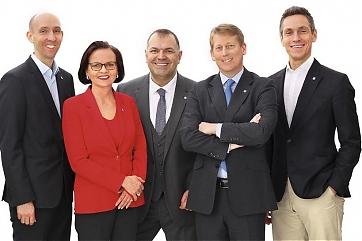 Philipp Schauer, Helga Engl-Wurzer, Mario Steinwedel, Alexander Richard und Robert Rieb - Foto: Pfluegel