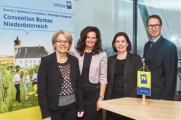Tourismuslandesrätin Petra Bohuslav, Edith Mader, Maria Luise Fröch (Convention Bureau NÖ) und Stefan Bauer (Prokurist der NÖ-Werbung) - Foto: Holger Grosz